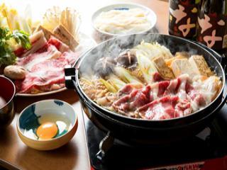 【群馬名物】贅沢の極み上州牛のすき焼鍋♪ みんなで楽しい♪ 夕朝付き イメ-ジ