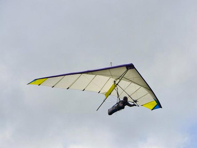 ハンググライダー イメージ